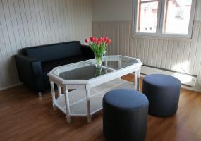 Übernachtungshütte Sofa