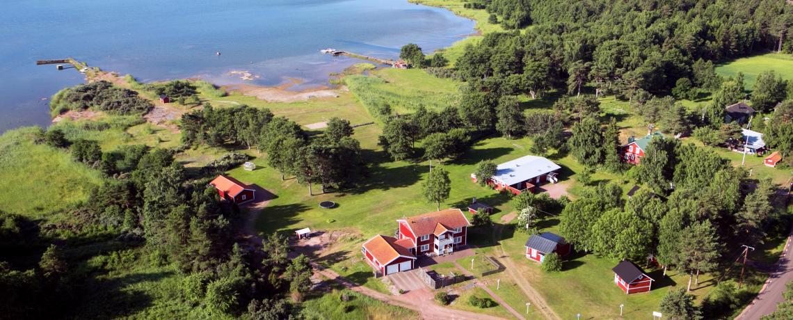 Flygfoto över Djurviks Gästgård